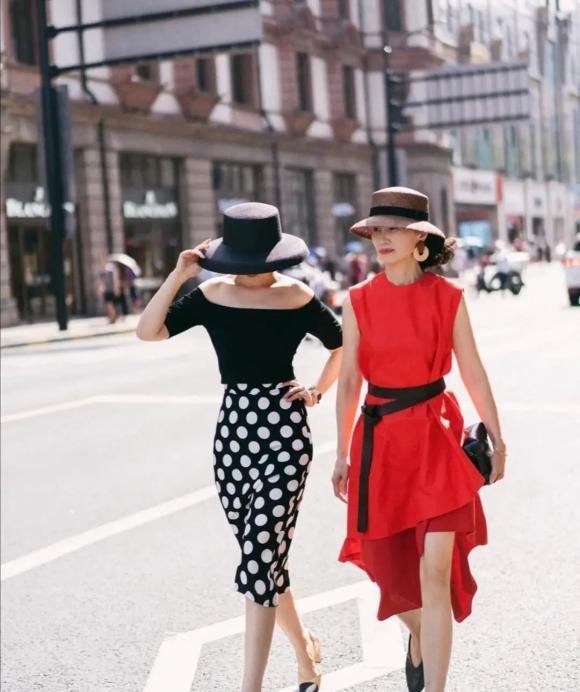 thời trang trung niên, tuổi 50, phối đồ đẹp, thời trang