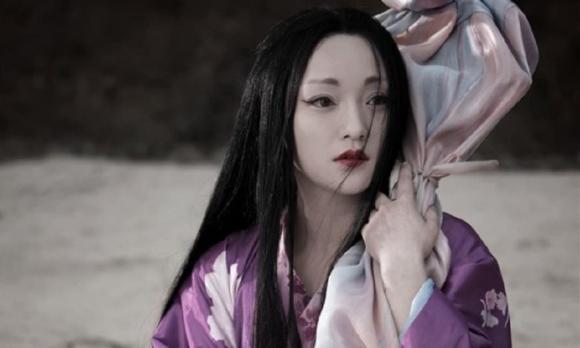 Tân Cương, Trung Quốc,  Địch Lệ Nhiệt Ba, nữ thần