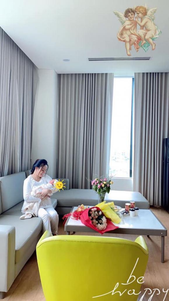 Vy Oanh, Nữ ca sĩ, Sao Việt