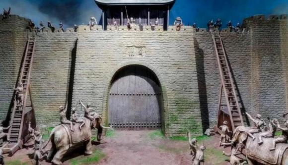 cổng thành, cổng thành mở vào bên trong, thành trì, thiết kế cổng thành
