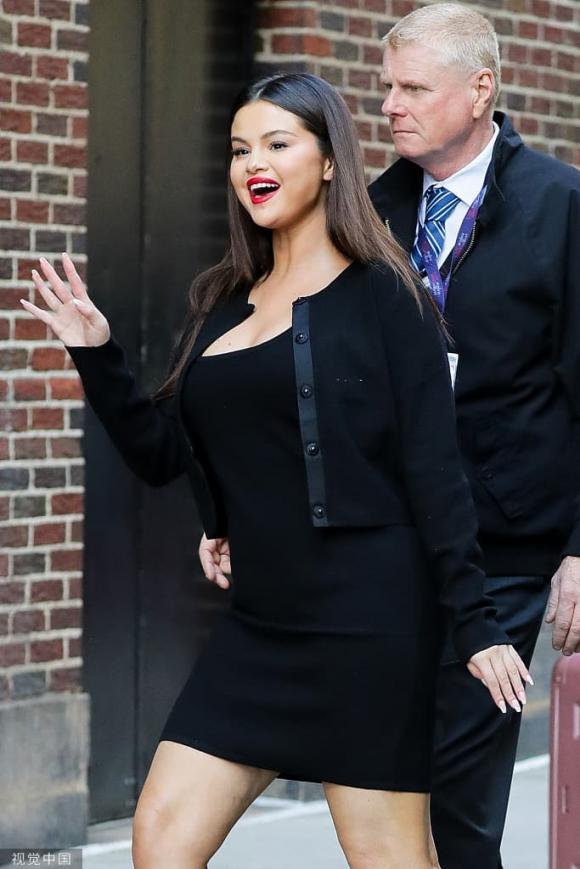 Selena Gomez tăng cân rõ rệt khi xuất hiện ở California