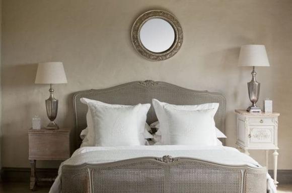 phong thủy, phong thủy giường ngủ, điều kiêng kỵ không nên treo đầu giường