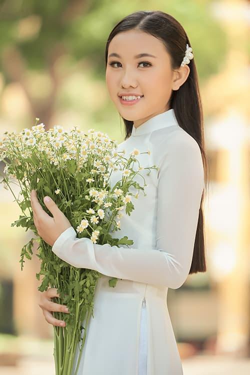 ca sĩ Phi Nhung, ca sĩ Thiêng Ngân, sao Việt, con gái nuôi phi nhung