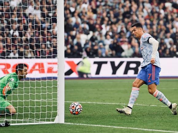 Ronaldo, Messi, PSG, Man United