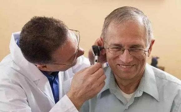 ráy tai một số người bị ướt, ráy tai, chăm sóc sức khỏe