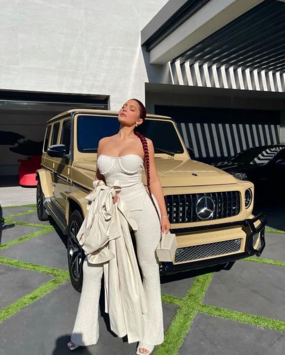 Kim Kardashian, Kylie Jenner, sao âu mỹ, nhà sao