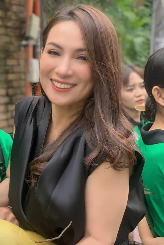 ca sĩ Phi Nhung, vợ cũ Bằng Kiều, ca sĩ Trizzie Phương Trinh, sao Việt