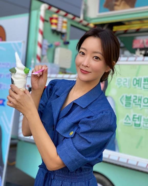 kim hee sun, diện cây xanh, sao hàn