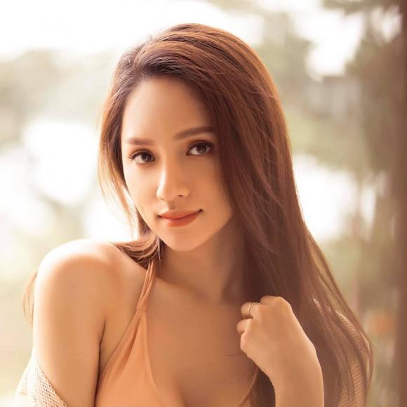 Hoa hậu chuyển giới Hương Giang, Hương Giang, Hương Giang idol