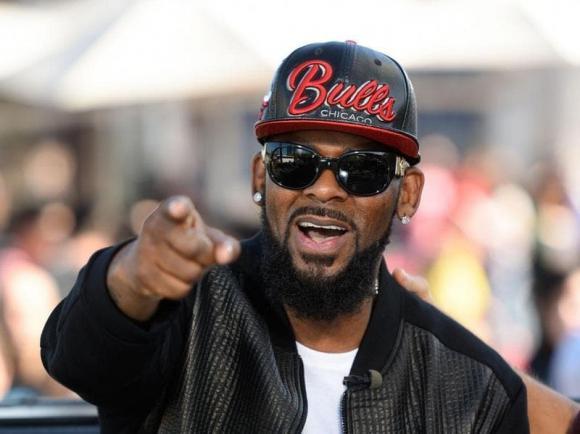Ông hoàng R&B, R. Kelly, sao âu mỹ