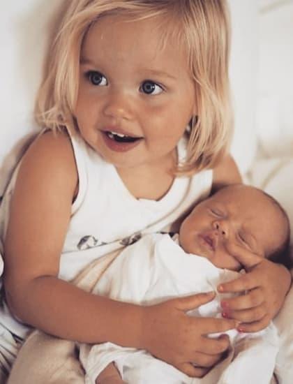 Sự thay đổi vượt bậc của hai con gái ruột nhà Angelina Jolie, đáng kinh ngạc nhất vẫn là cô công chúa đầu lòng