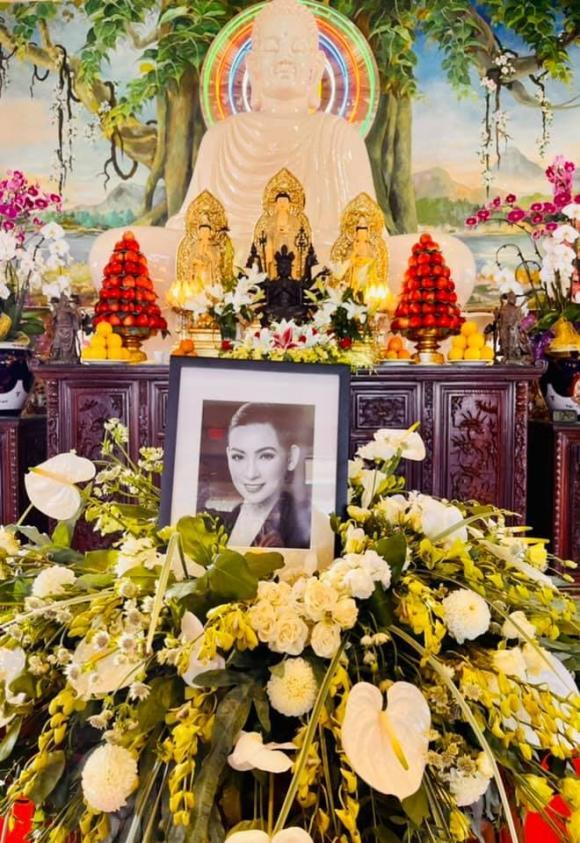 ca sĩ Phi Nhung, danh hài Thú Nga, sao Việt
