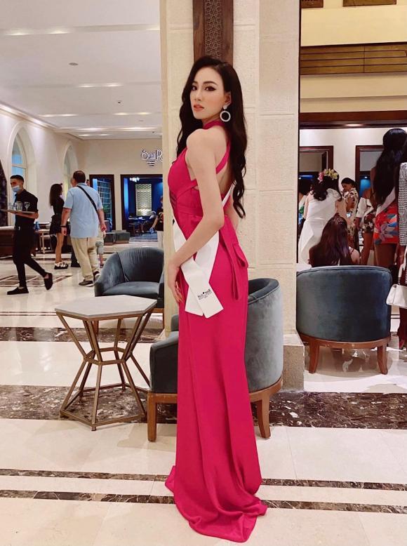 Đại diện Việt Nam tại Hoa hậu Liên lục địa 2021 phải ra chợ mua bikini vì bị tịch thu hành lý