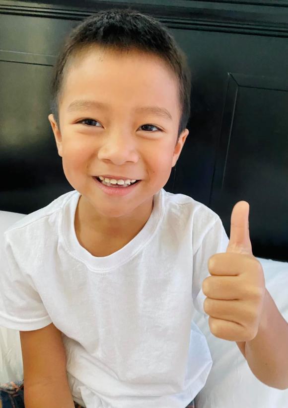 Giữa tin đồn trục trặc hôn nhân, Hồng Ngọc khoe ảnh hạnh phúc bên ông xã mừng sinh nhật con trai út tròn 6 tuổi