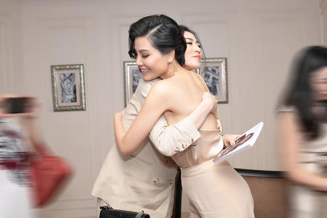 NTK Đức Hùng - Á hậu Tú Anh dự ra mắt sách của cựu siêu mẫu Vũ Cẩm Nhung 6