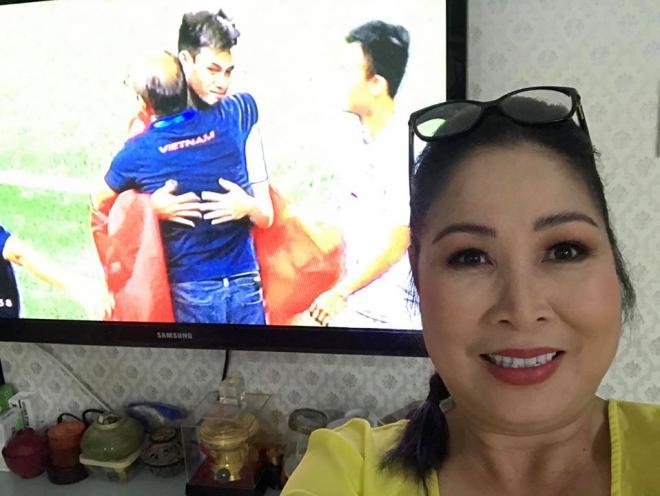 sao Việt  ăn mừng Việt Nam đạt huy chương vàng 1