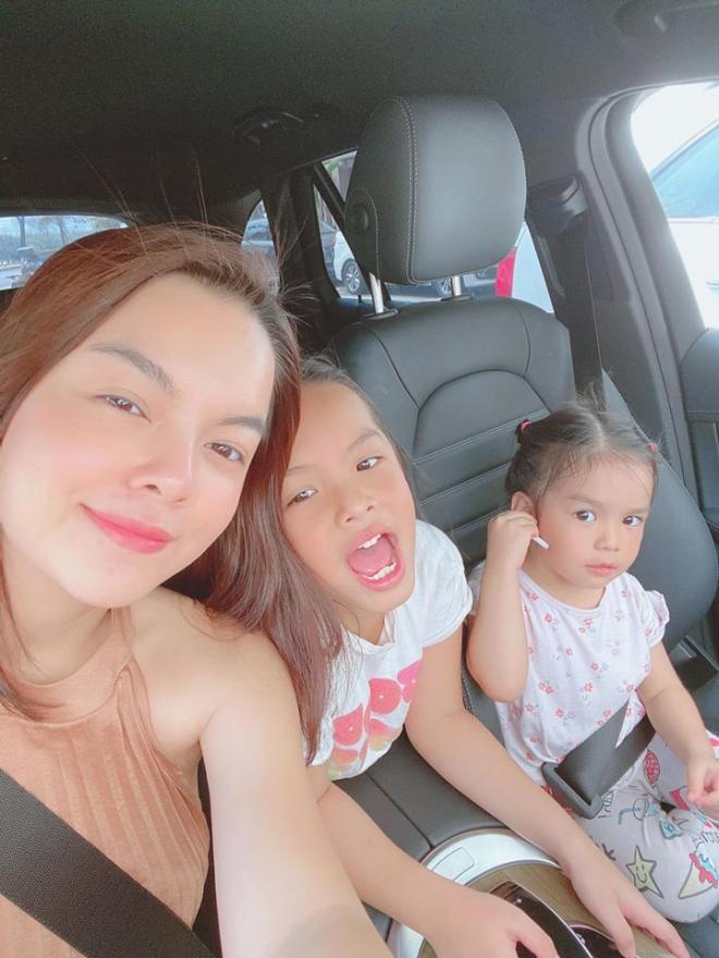 Phạm Quỳnh Anh chia tay hai con gái 0