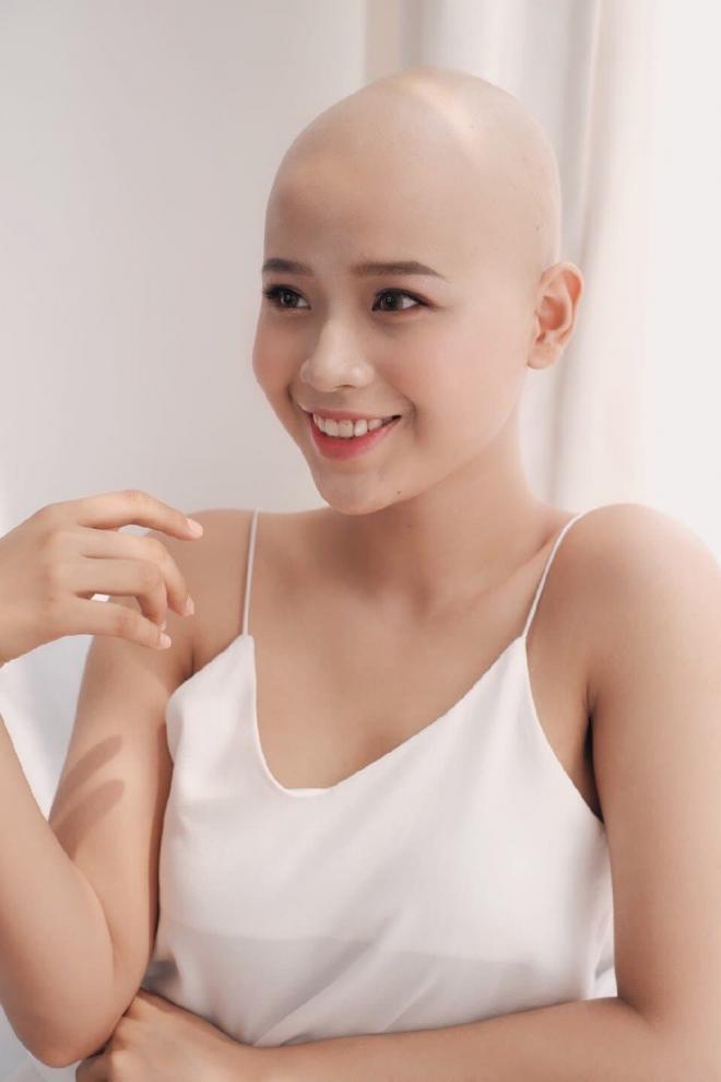 nữ sinh ngoại thương bị ung thư 0