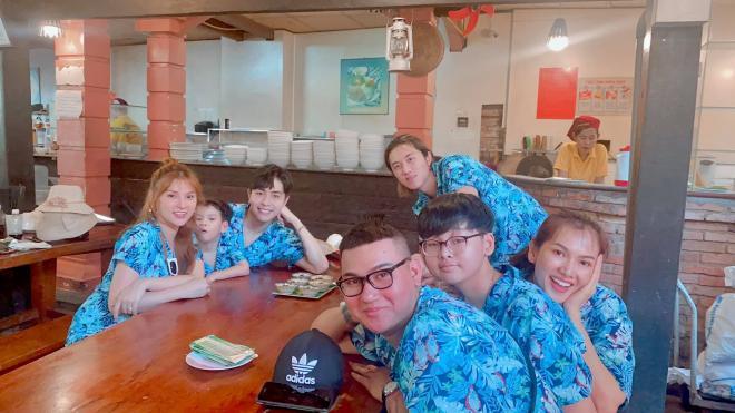 vợ chồng Thu Thủy đi du lịch 1