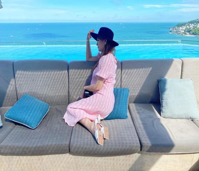vợ chồng Thu Thủy đi du lịch 4