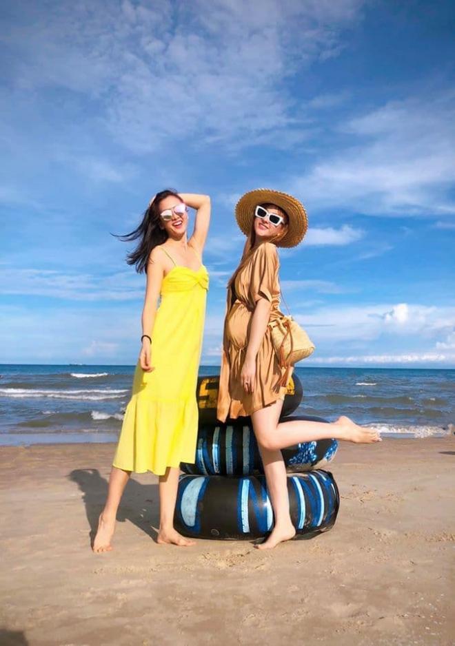 vợ chồng Thu Thủy đi du lịch 0