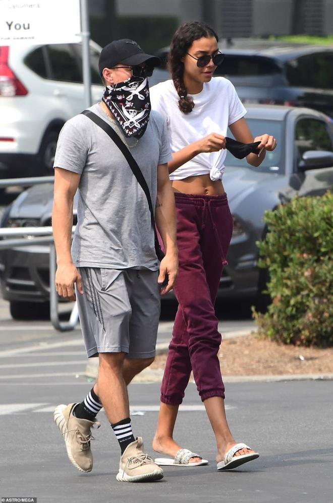 Chồng cũ của sao nữ Glee quá cố Naya Rivera tay trong tay hẹn hò cùng em gái của nữ diễn viên 7