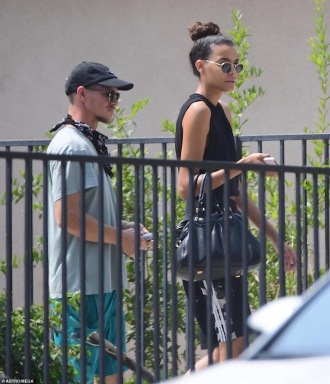 Chồng cũ của sao nữ Glee quá cố Naya Rivera tay trong tay hẹn hò cùng em gái của nữ diễn viên 5