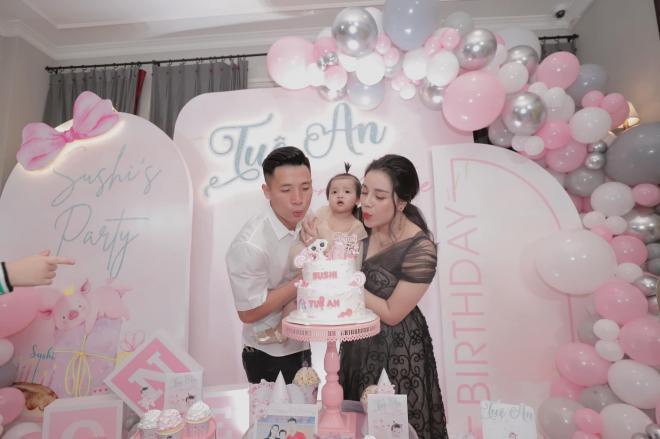 sinh nhật con gái Bùi Tiến Dũng 1
