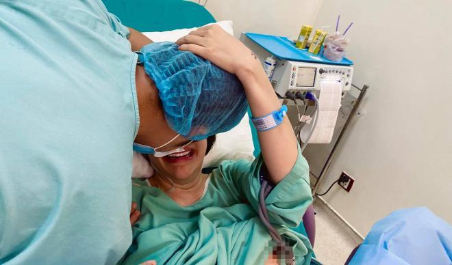 Pha Lê kể về hành trình vượt cạn, tiết lộ chồng người Hàn khóc to nhất bệnh viện