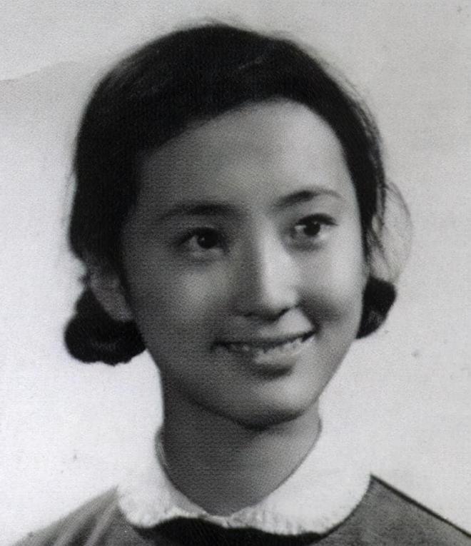Mười ba năm trước, Trần Hiểu Húc và chồng cùng đi tu, sau cô bị bệnh mà chết, người chồng bị đồn là đã hoàn tục và tái hôn 5