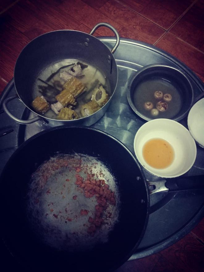mâm cơm chồng nấu 1