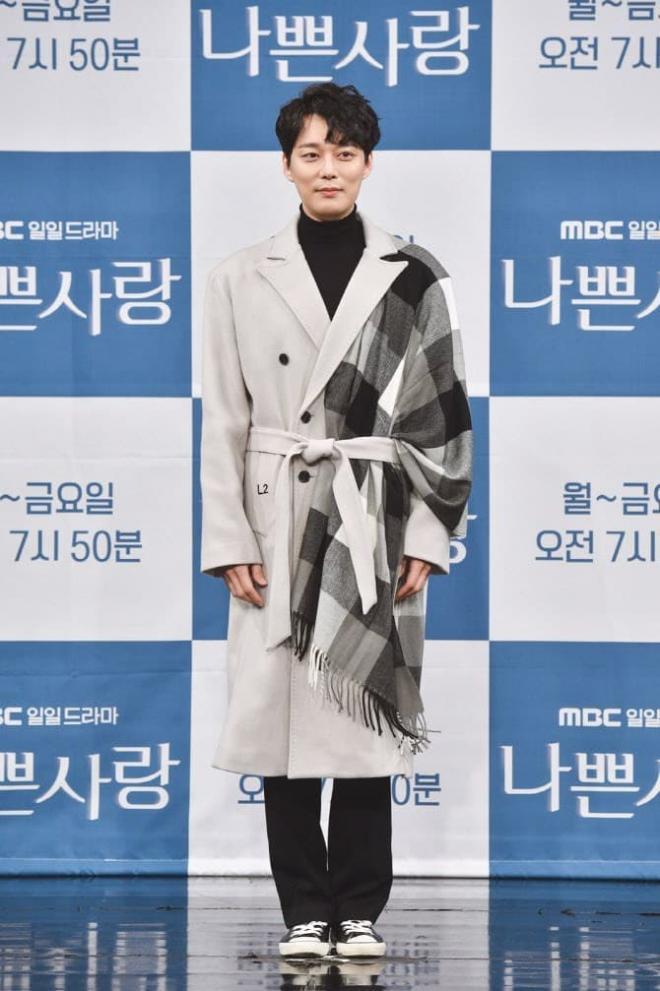Jeon Seung Bin bị vợ cũ bóc phốt ngoại tình, vội vã cưới sau vài tháng ly hôn 0