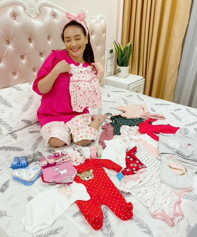 sao Việt sinh con năm 2021 1