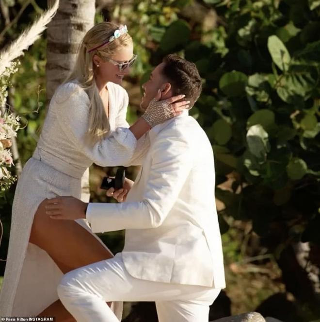 Sinh nhật tuổi 40, 'tiểu thư Hollywood' Paris Hilton được cầu hôn bằng nhẫn kim cương khổng lồ 0