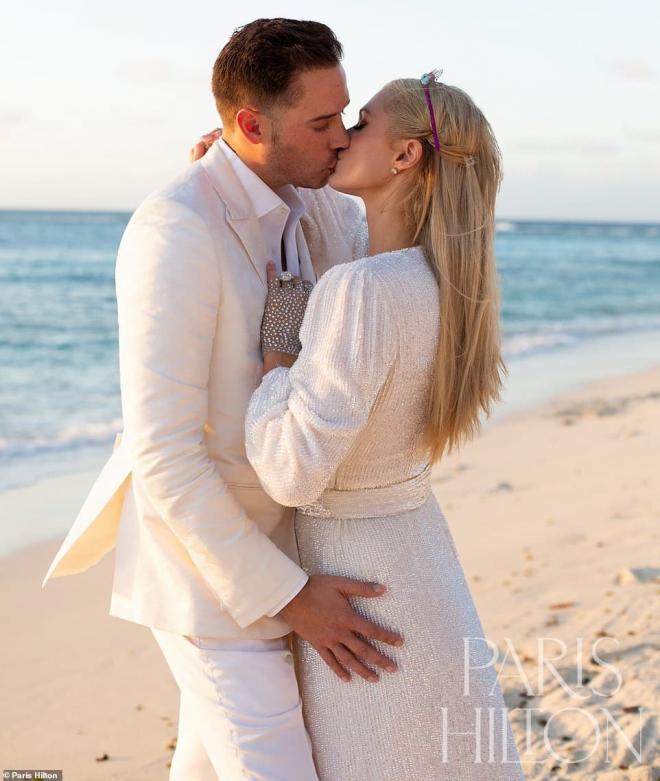 Sinh nhật tuổi 40, 'tiểu thư Hollywood' Paris Hilton được cầu hôn bằng nhẫn kim cương khổng lồ 9