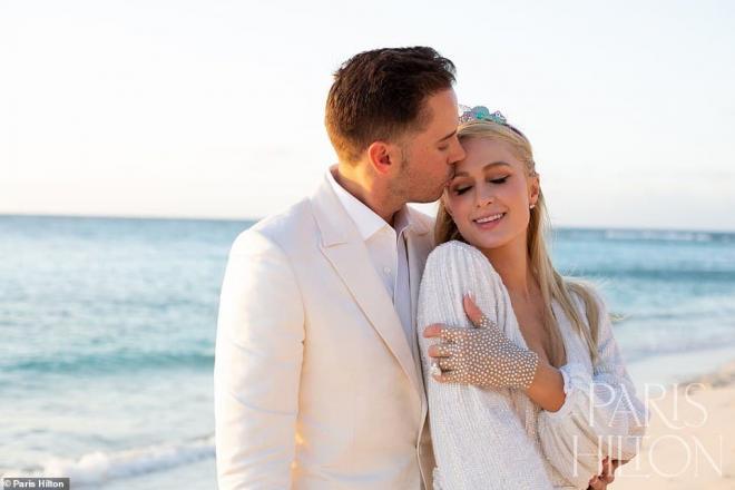 Sinh nhật tuổi 40, 'tiểu thư Hollywood' Paris Hilton được cầu hôn bằng nhẫn kim cương khổng lồ 4
