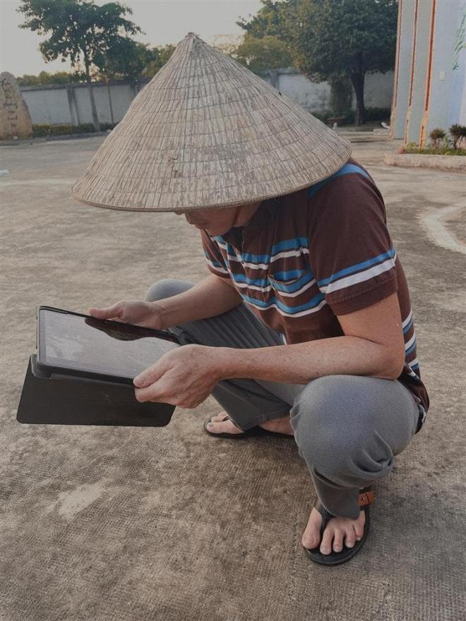nam-thu-hoai-linh-2-ngoisaovn-w750-h1000 0