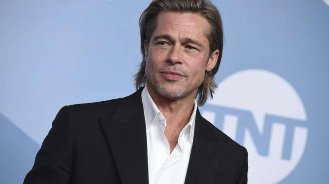 Jennifer Aniston và Brad Pitt 2