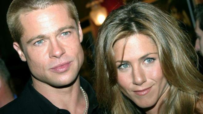 Jennifer Aniston và Brad Pitt 0
