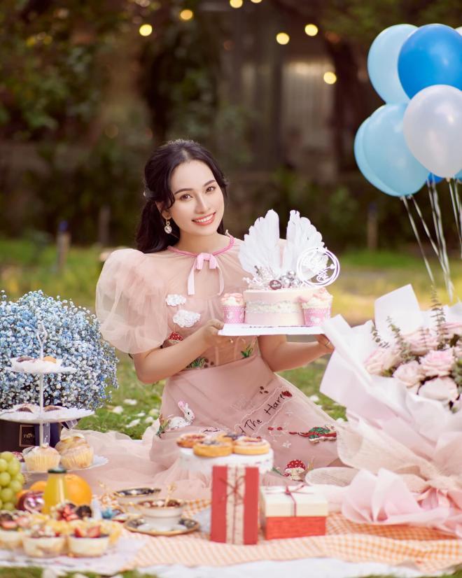 sinh nhật vợ Dương Khắc Linh  3