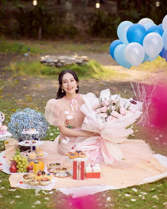 sinh nhật vợ Dương Khắc Linh  7