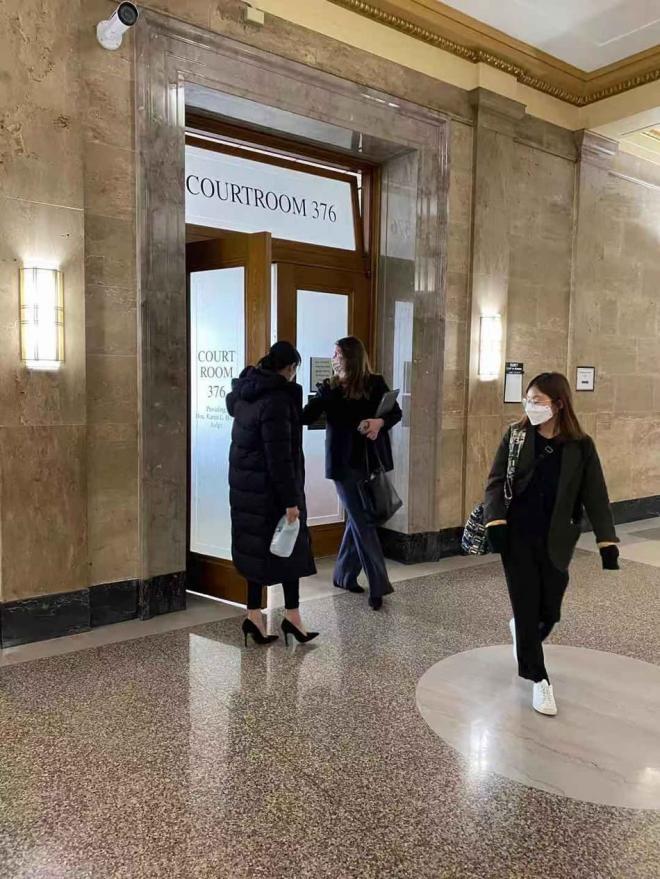Trịnh Sảng lầm lũi lộ diện tại phiên tòa, tiết lộ từng muốn tự tử trước khi bỏ con 4