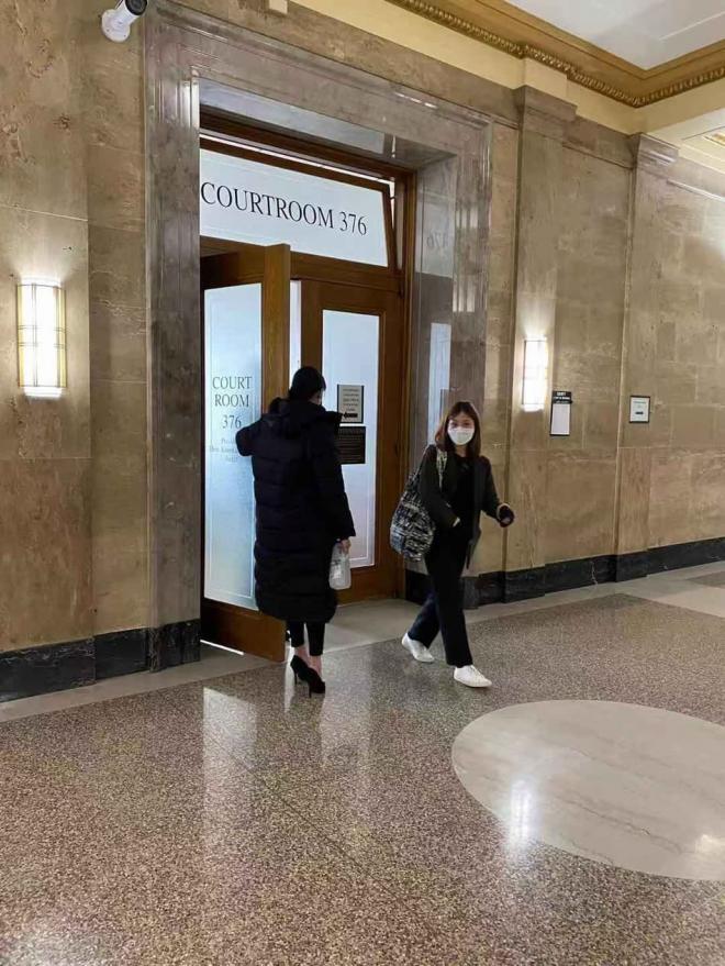 Trịnh Sảng lầm lũi lộ diện tại phiên tòa, tiết lộ từng muốn tự tử trước khi bỏ con 5