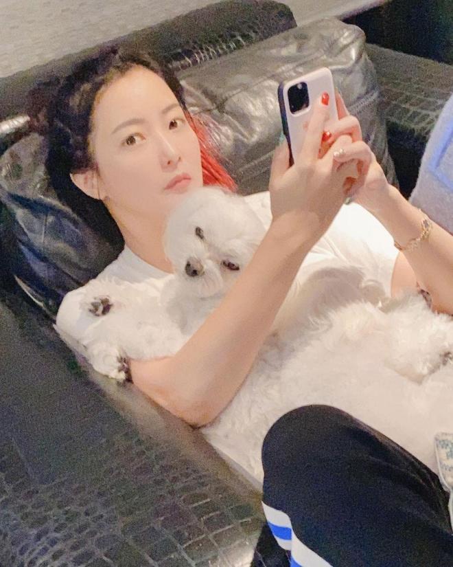 'Đệ nhất mỹ nhân xứ Hàn' Kim Hee Sun bị phát hiện sử dụng app chỉnh ảnh nhưng ai cũng khen nức nở vì điều này 4