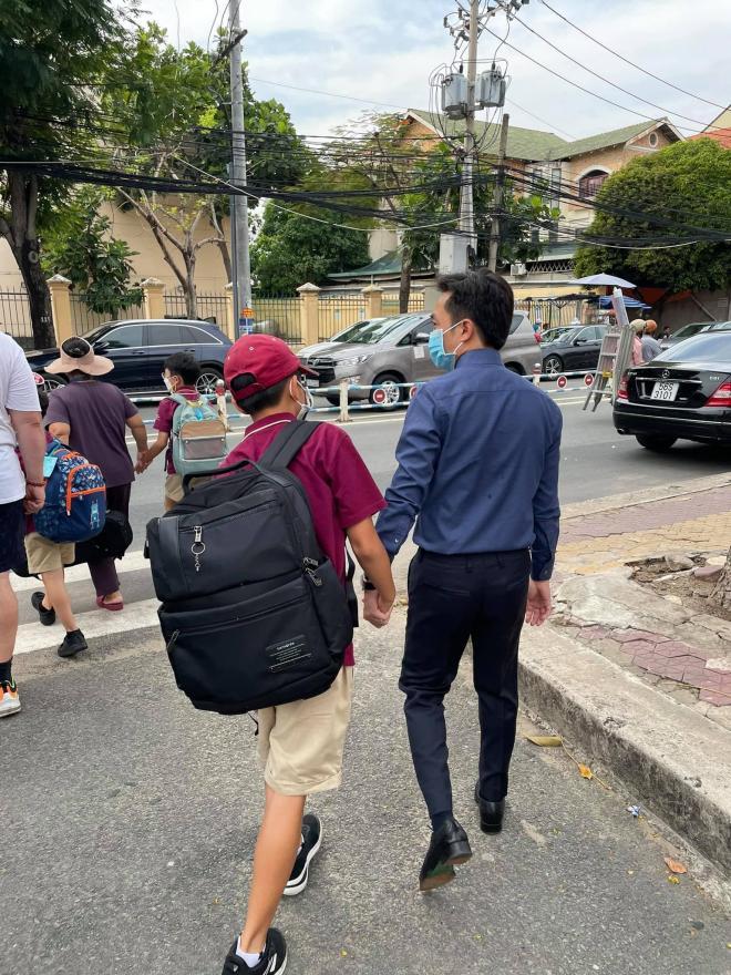 Khoảnh khắc Cường Đô La đón Subeo đi học về nhận bão like, con trai riêng cao gần bằng bố 1
