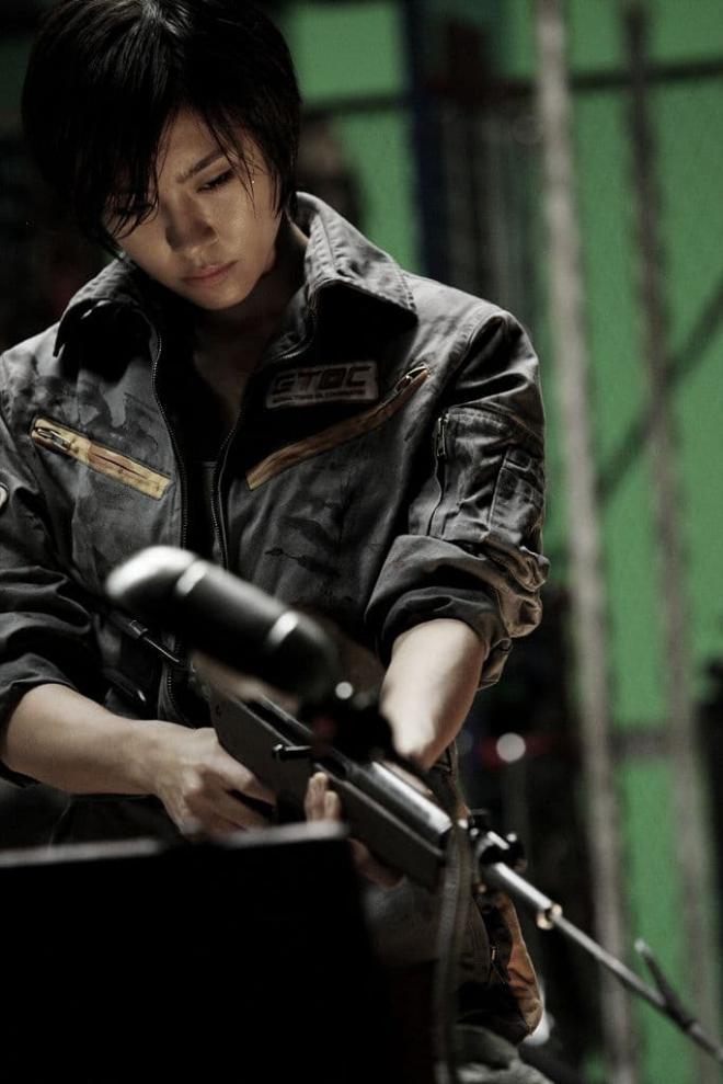 'Hoàng hậu Ki' Ha Ji Won nhận gạch đá vì bán tranh với nét vẽ thua cả trẻ con mẫu giáo, bị so sánh với Goo Hye Sun 11