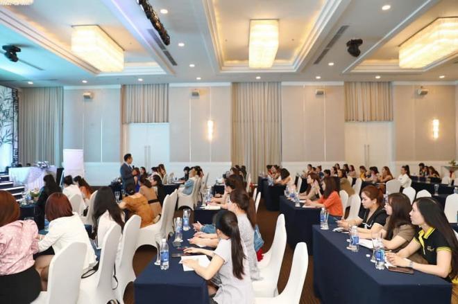 Top White, CEO Cao Thị Thùy Dung, Hoa hậu Doanh nhân Thùy Dung