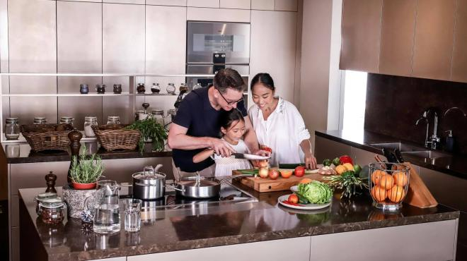 không gian bếp nhà Đoan Trang 11
