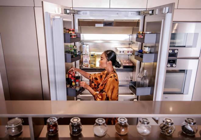 không gian bếp nhà Đoan Trang 13