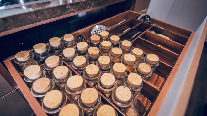 không gian bếp nhà Đoan Trang 1